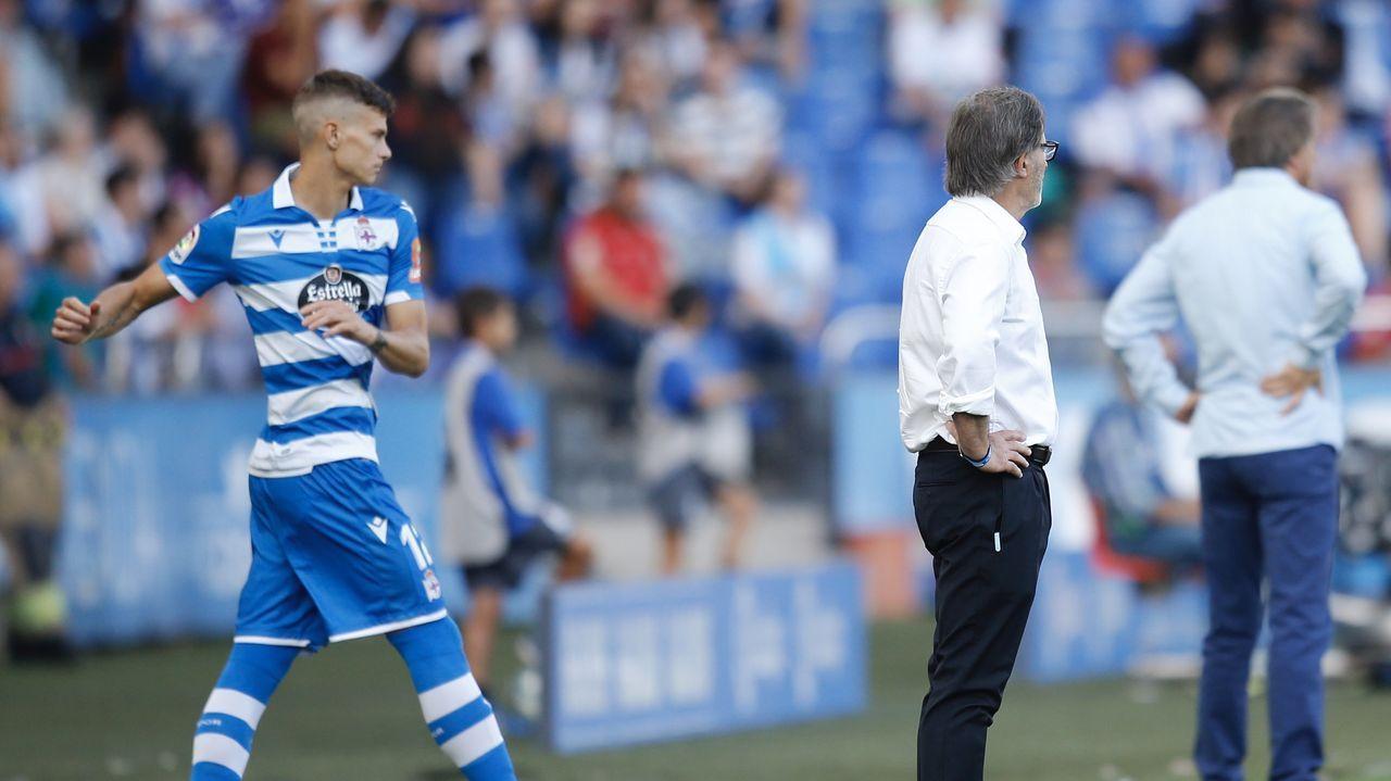 Deportivo Real Oviedo Riazor gol Obeng.Afición del Real Oviedo celebrando el empate de Obeng en Riazor