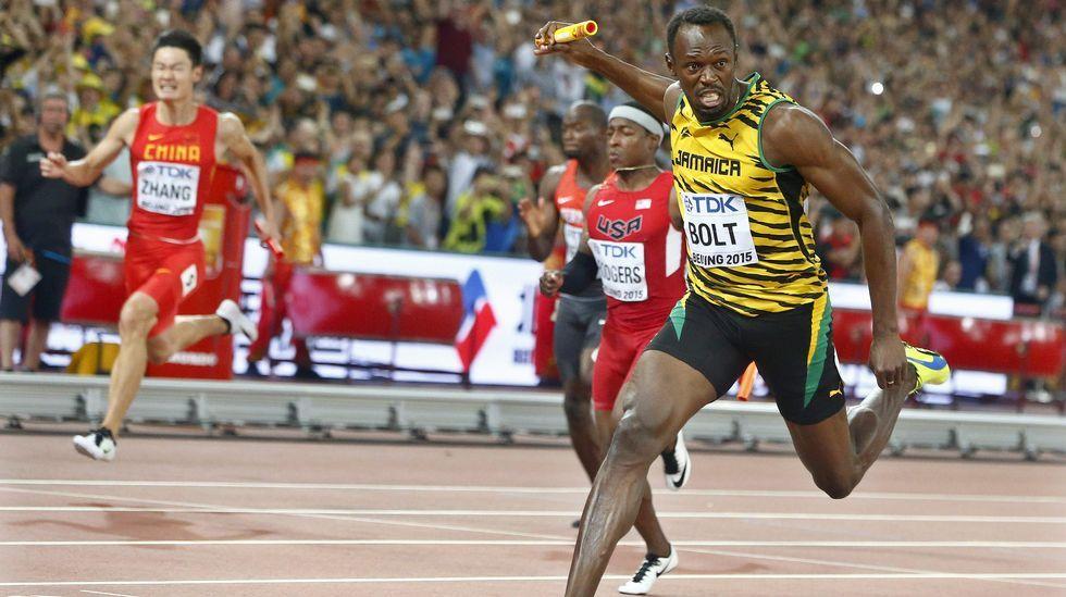 Usain Bolt: «Si gano en los Juegos Olímpicos estaré cómodo diciendo que soy una leyenda».El director del Coliseo Javier Rodriguez con las dos únicas personas que se presentaron el concurso de la empanada en la Romería de Santa Margarita