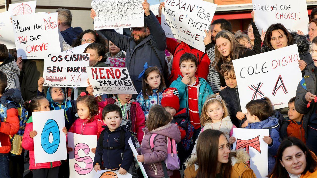 Burela exige un colegio sin humedades ni goteras