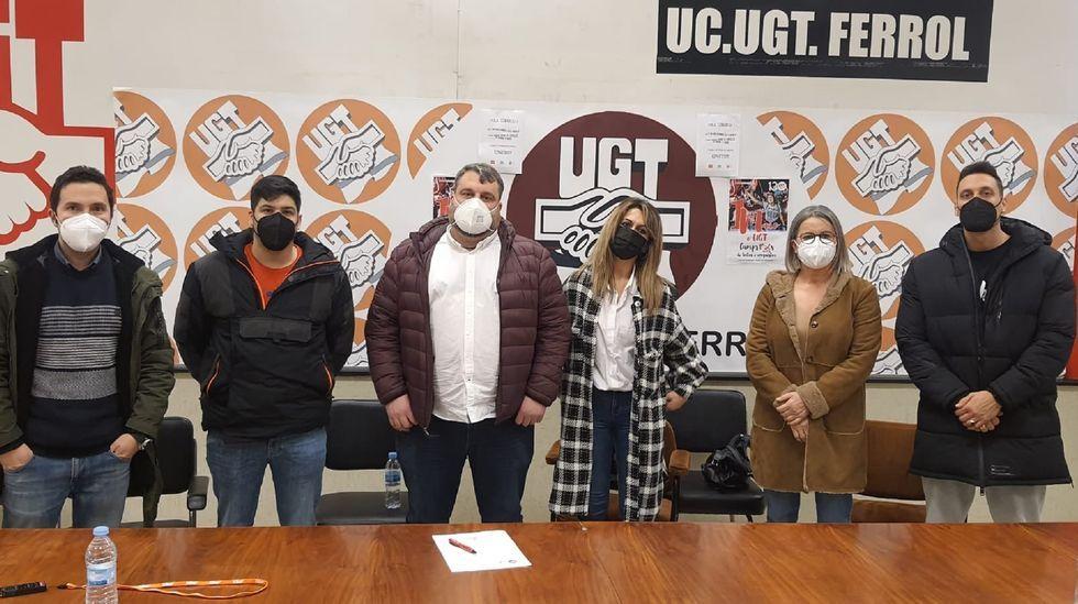 Así celebran los trabajadores gallegos elPrimero de Mayo.Los participantes en la manifestación conjunta de CC.OO. y UGT partieron de Porta Nova y finalizaron en la plaza de Armas