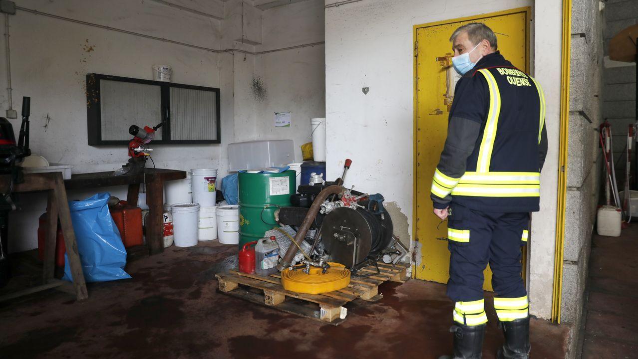 Los bomberos de Ourense piden más personal y medios.La Guardia Civil, en Xinzo, al iniciarse el ciclo del entroido, en una jornada en la que los vecinos cumplieron con las medidas de seguridad