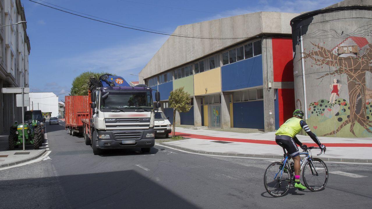 Vegalsa-Eroski inicia en Carballo su ruta de los productores gallegos con una Food Truck que recorrerá toda Galicia