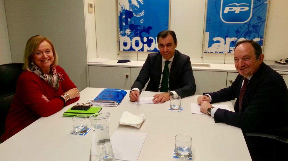 Mercedes Fernández.Mercedes Fernández junto a Fernando Martínez-Maíllo y Pedro Sanz.