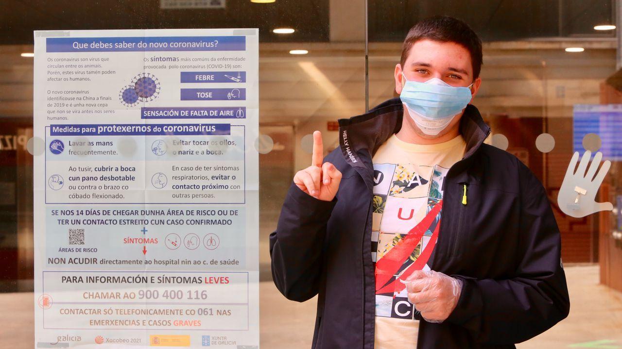 Navia y Samil en tiempos de coronavirus.Minuto de silencio en las urgencias del Álvaro Cunqueiro, el viernes.