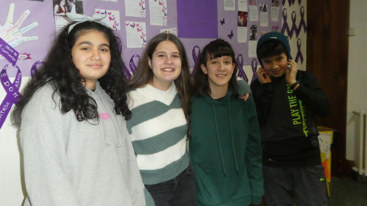 Os alumnos Alma Eugenia, Estela Penín, Candela Saco e Antón Lecompte, do colexio Concepción Arenal, de Ourense