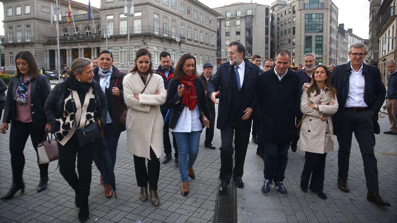 Mariano Rajoy en Pontevedra.Pablo Casado junto a Carmen Moriyón, Paloma Gázquez y Mercedes Fernández en Oviedo