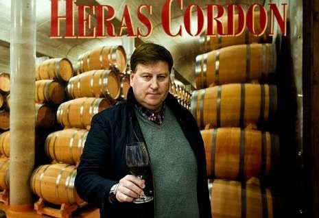 José Luis Heras Cordón veranea en la comarca, porque su mujer es ferrolana.