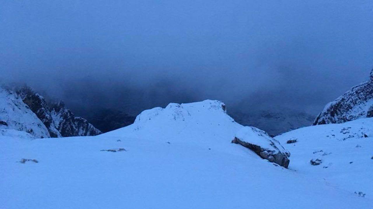 Paisaje nevado fotografiado desde el refugio de Uriellu