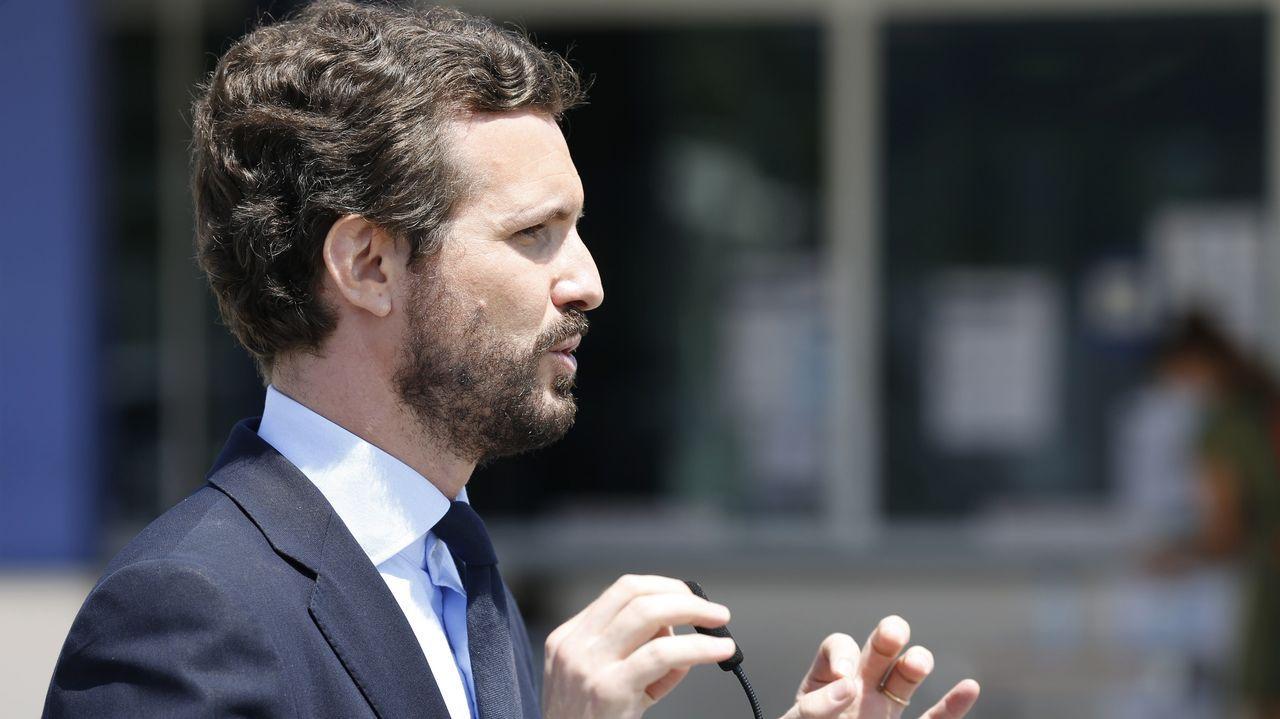 Mitin de Pedro Sánchez en Ourense.El presidente Pedro Sánchez y el líder de la oposición, Pablo Casado, en una reunión en la Moncloa