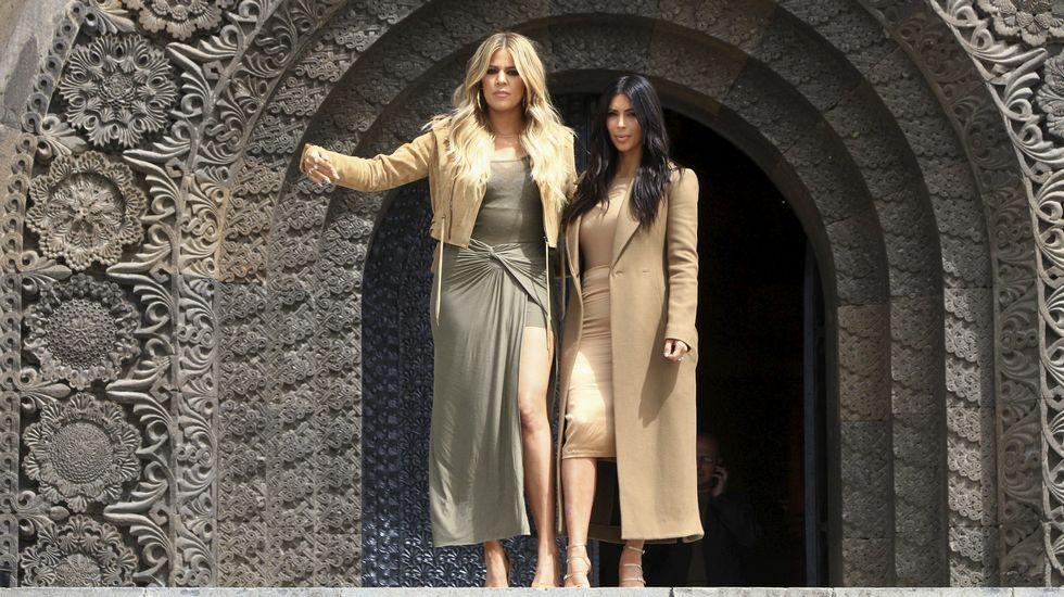 Las hermanas Kardashian revolucionan Armenia.Bruce Jenner