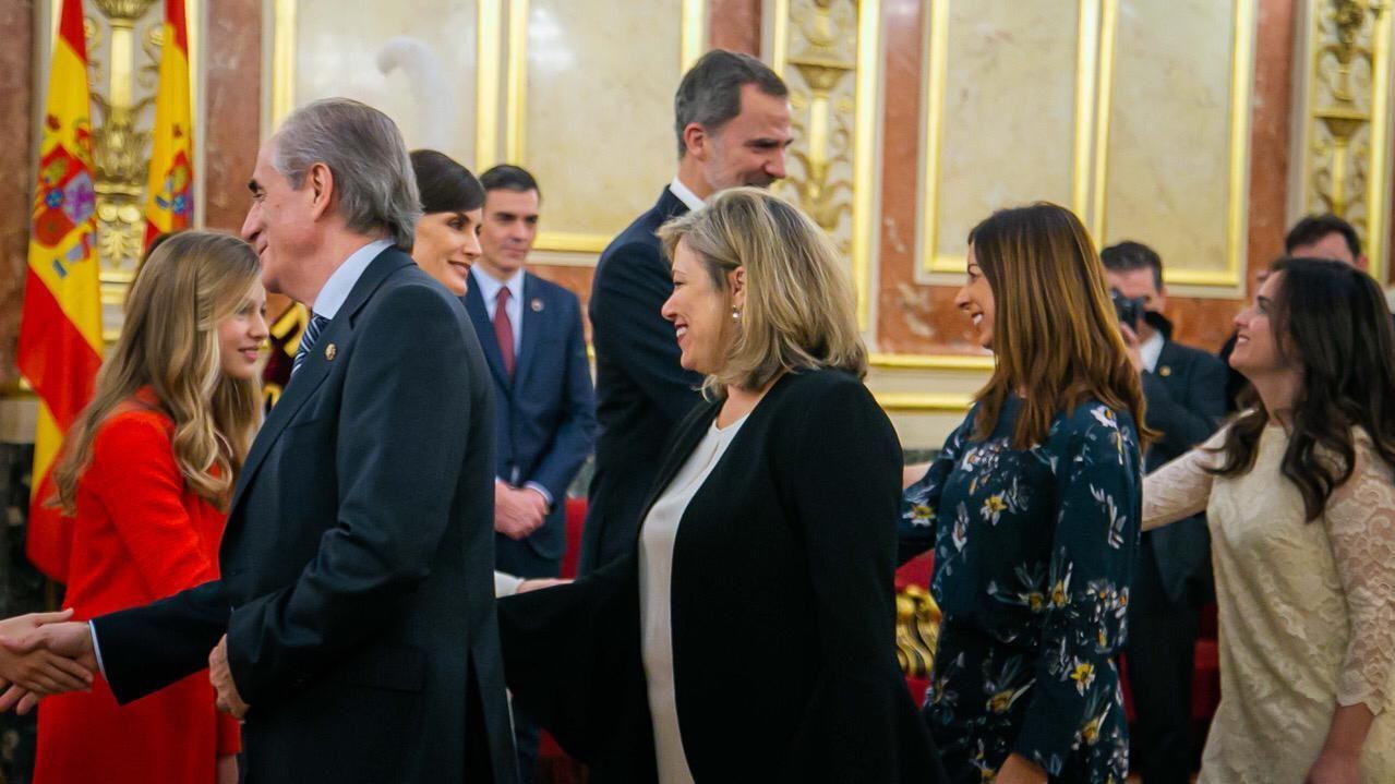 La familia real hace pública su nueva imagen.La princesa Leonor en las fotos oficiales que la Casa Real ha publicado