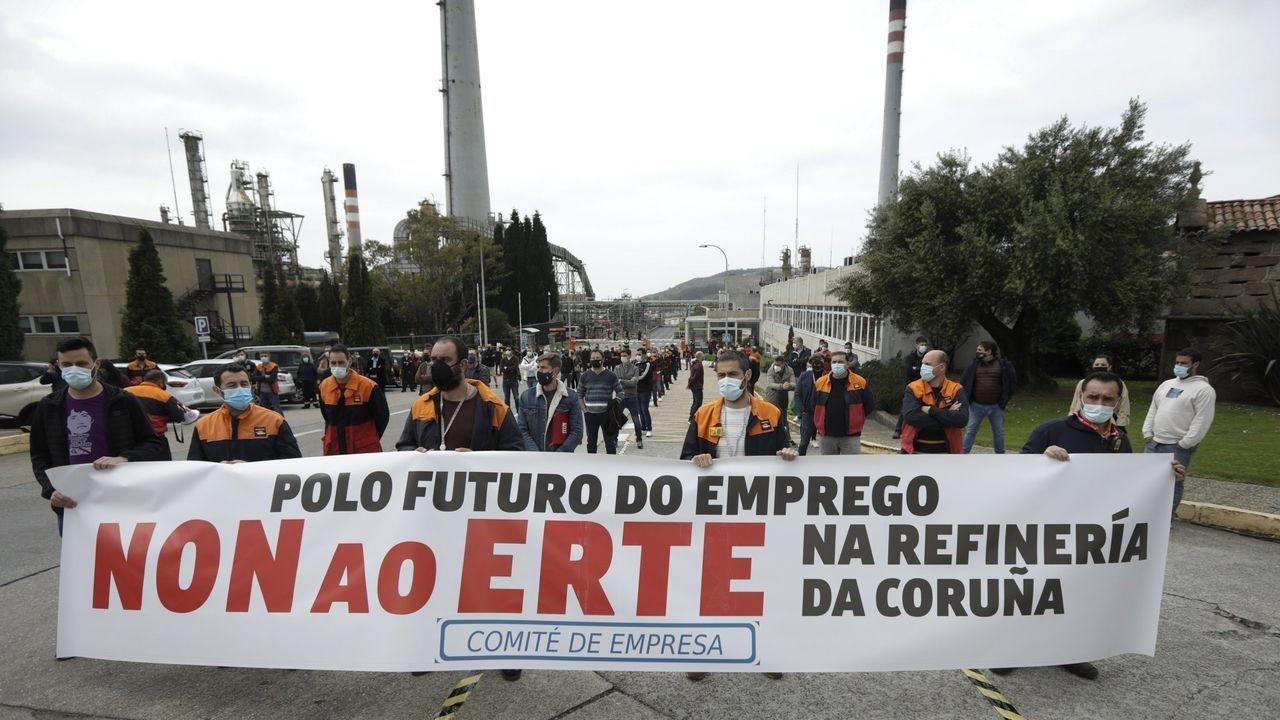 Manifestación de los trabajadores de la planta de Servia en Porto do Son.Imagen de la presentación de la colección «El Sexo» el pasado mes de junio