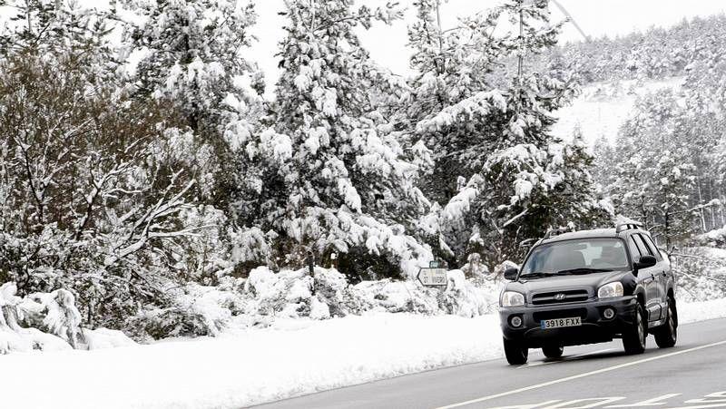 La tercera nevada del año deja blancas las montañas de A Mariña
