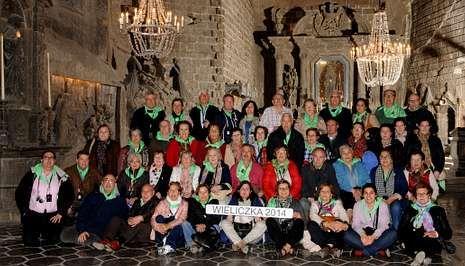La delegación de la parroquia de Carballo, ayer en la catedral de la sal de Wieliczka.