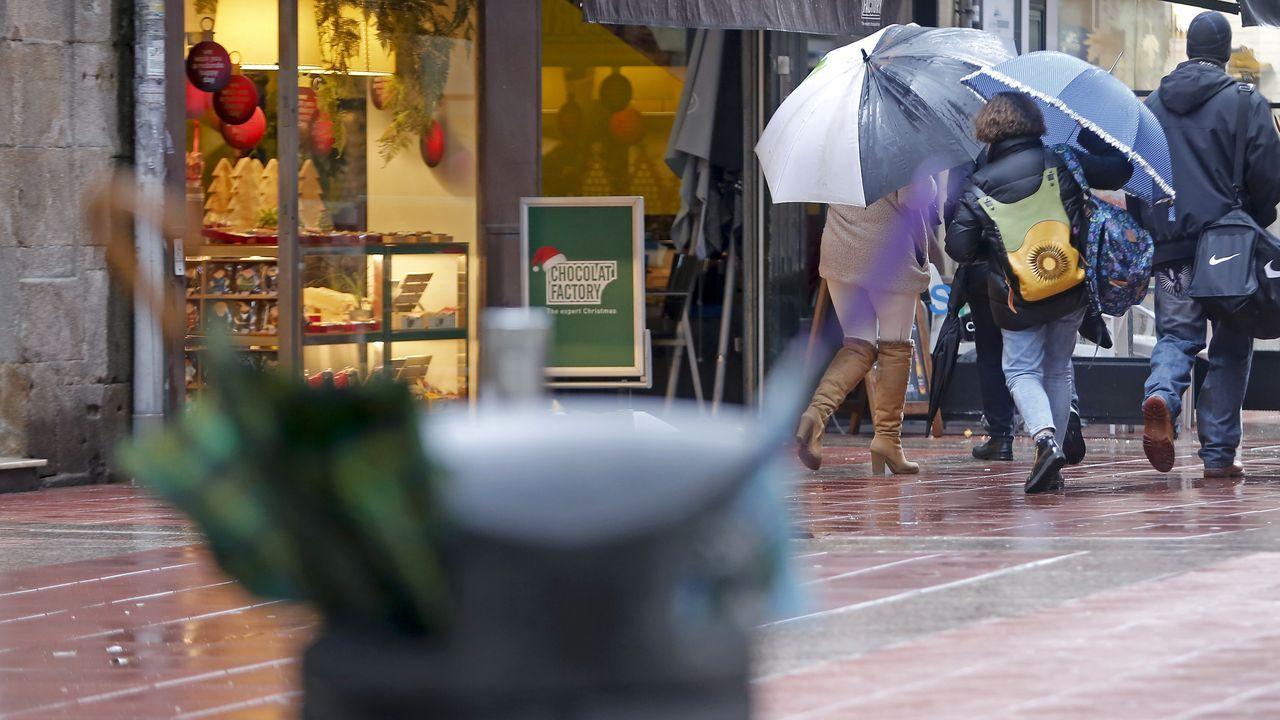 Los paraguas no aguantaron en Pontevedra