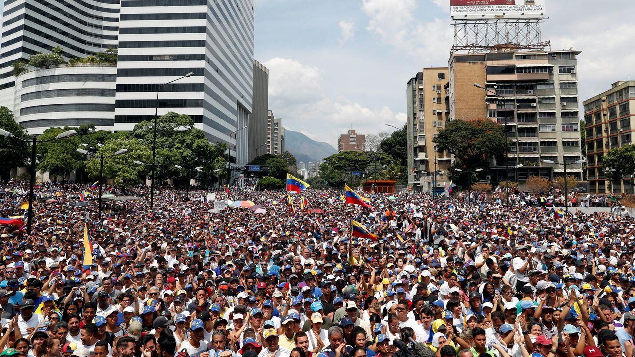 Vista general de la concentración convocada en Caracas por la oposición a Maduro