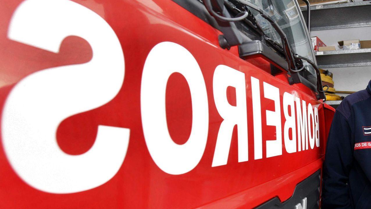 Desocupan dos pisos en Lugo tras 40 horas de tensión.bomberos ribeira