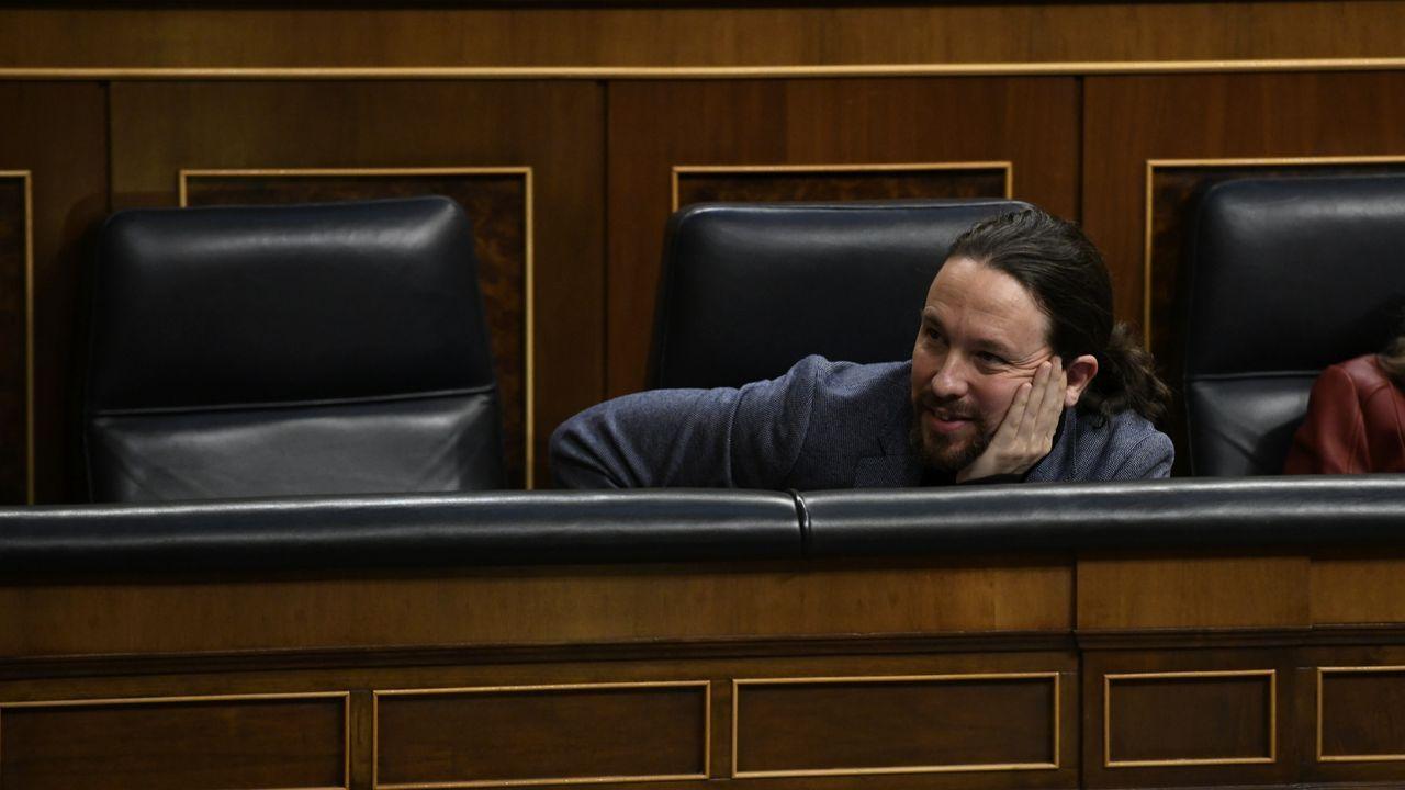 Actos multitudinarios en Madrid en los días de más contagios.El acusado Rodrigo Lanza, junto a su abogado