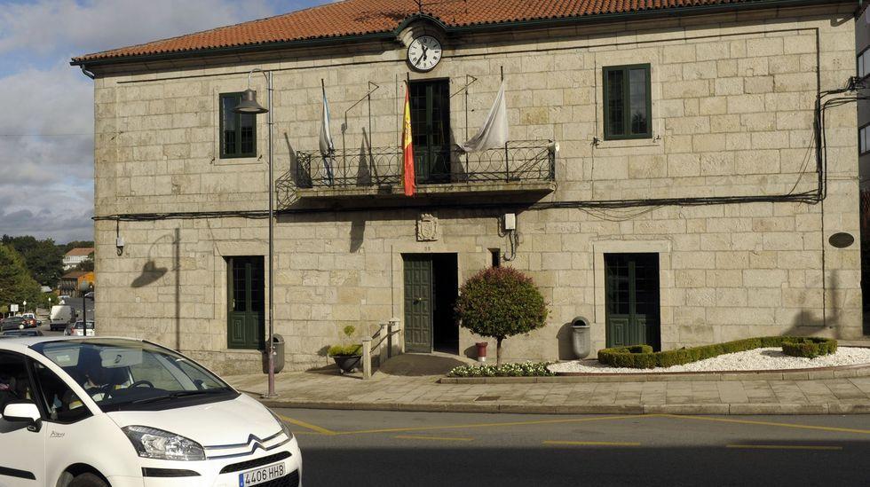Imagen de archivo de Francisco Jorquera y Avia Veira entrando al salón de plenos