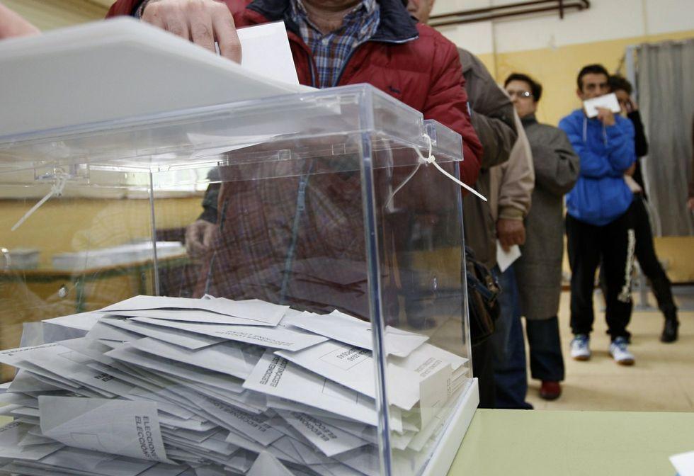 Como en otras elecciones, miles de mariñanos pueden ejercer hoy su derecho al voto.