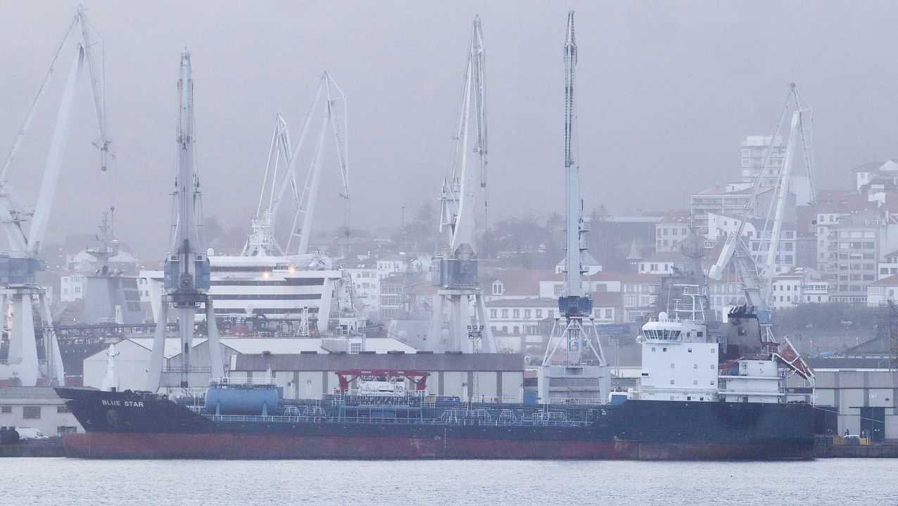 El Blue Star permanece en Ferrol desde el 19 de diciembre