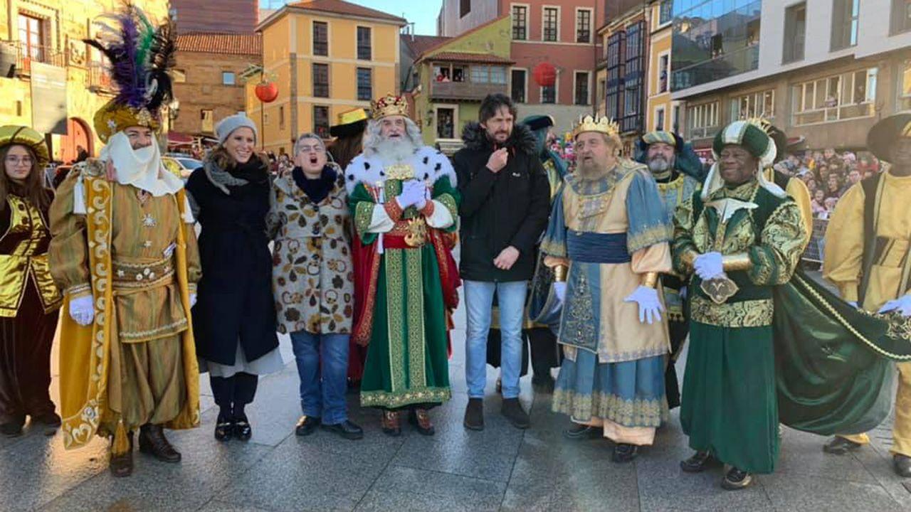 Gijón recibe a los Reyes Magos de Oriente.Mazinho (1998)
