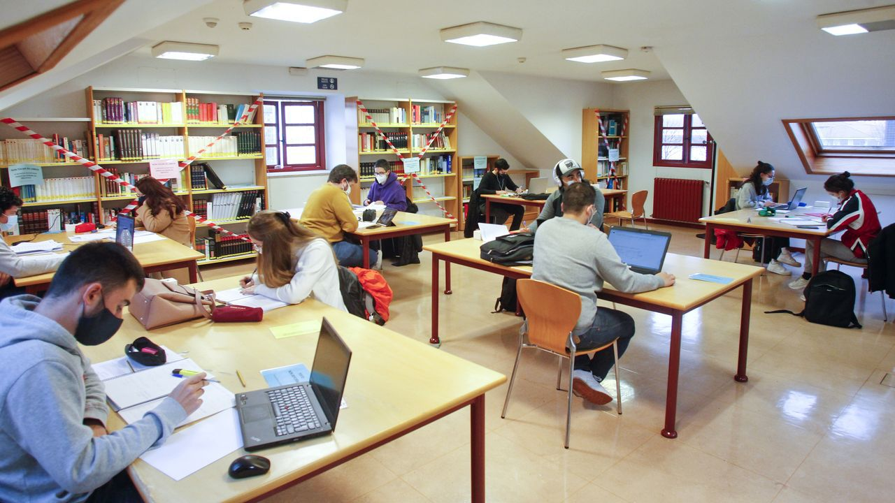 Las bibliotecas universitarias, como esta del Patín en Ferrol, cerrarán al público. Solo la UDC mantendrá abiertas para el alumnado las salas de estudio y lectura