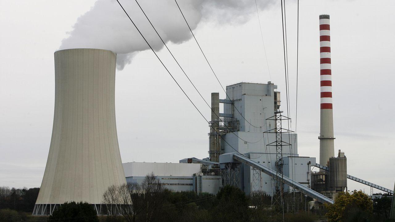 ¿Por qué cierra Alcoa en A Coruña dejando sin empleo a casi 400 trabajadores?.Central térmica de Soto de la Barca (Tineo), de la compañía energética Gas Natural Fenosa.