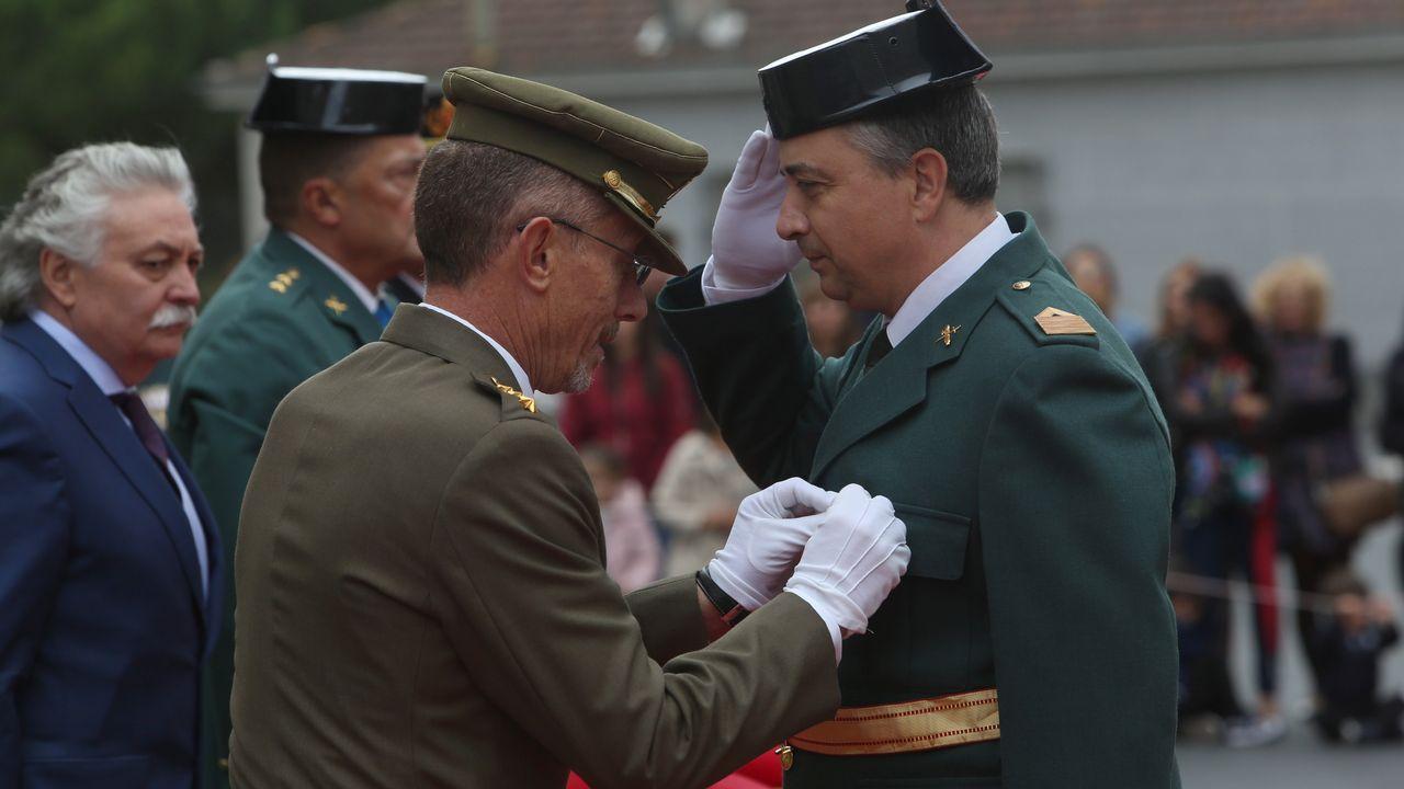 ACTO INSTITUCIONAL CASTRENSE DEL DÍA DEL PILAR.La Guardia Civil entregó las cruces de distintivo blanco