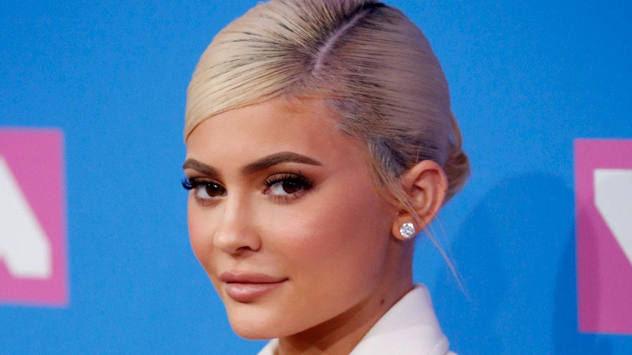 El mar, un valor seguro en el mercado de trabajo, busca relevo en las aulas gallegas.La pequeña de las hermanas Kardashian, Kylie Jenner, es la milmillonaria más joven del mundo