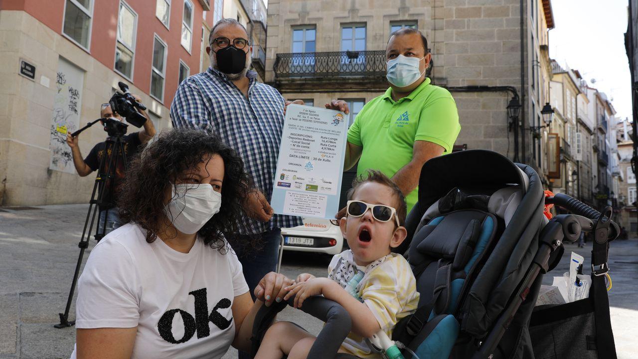 Vecinos de Melias organizan una andaina en favor del pequeño Rafa.El incendio en Monterrei es el más grande de Galicia en lo que va de verano