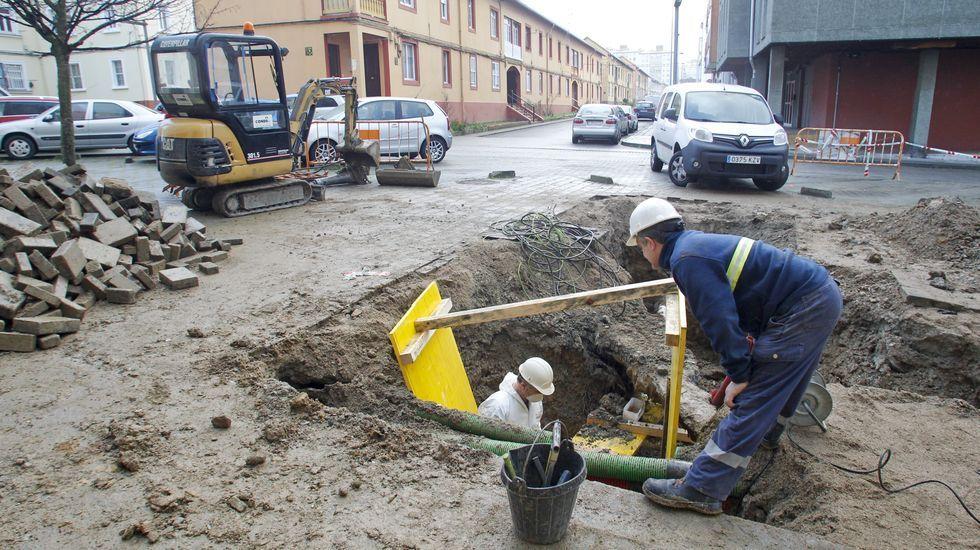 Modelo de las nuevas farolas que se implantarán en la calle Alegre y que están instaladas ya en otros puntos del barrio, como Barrié de la Maza
