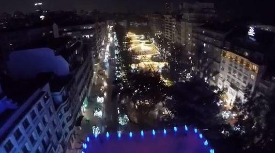 Así se ve Vigo desde la noria gigante de Navidad.Borja Sánchez tratar de regatear a Balliu