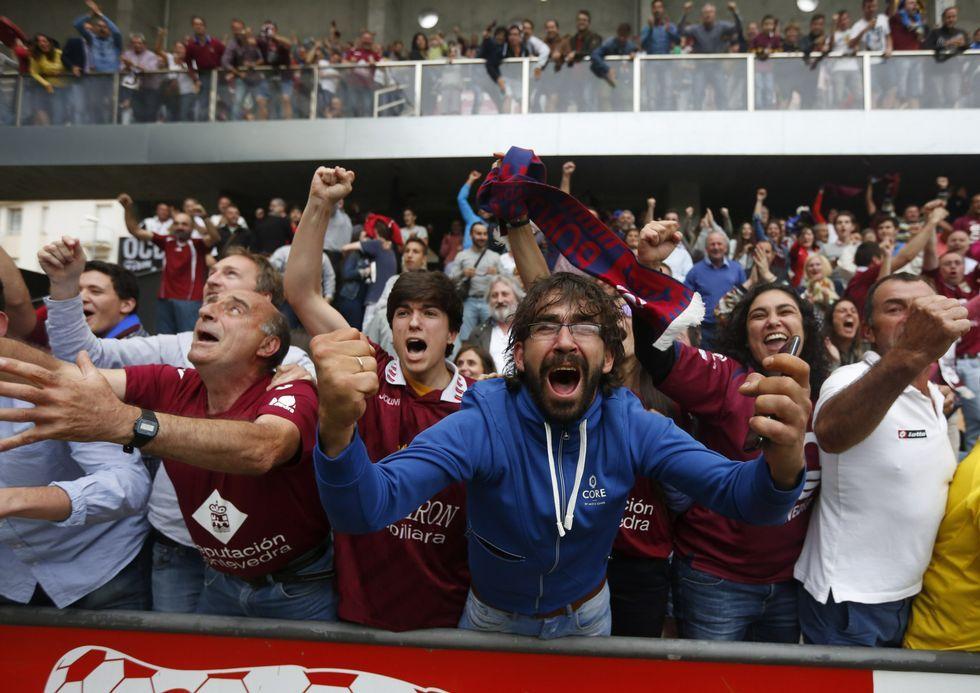 Los aficionados abarrotaron el estadio ante el Mensajero.