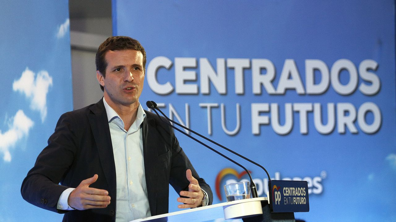 Toni Roldán abandona Ciudadanos por su giro a la derecha.Inés Arrimadas con Ignacio Cuesta, Juan Vázquez, Ignacio Prendes y Nicanor García, en Oviedo
