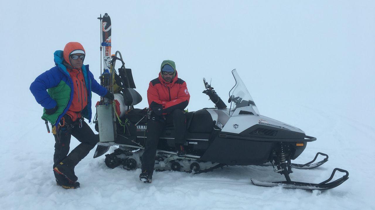 Más frío en Galicia que en Livingston, en la Antártida.Accidente mortal en el peaje de la AP-9 en Guísamo, Bergondo