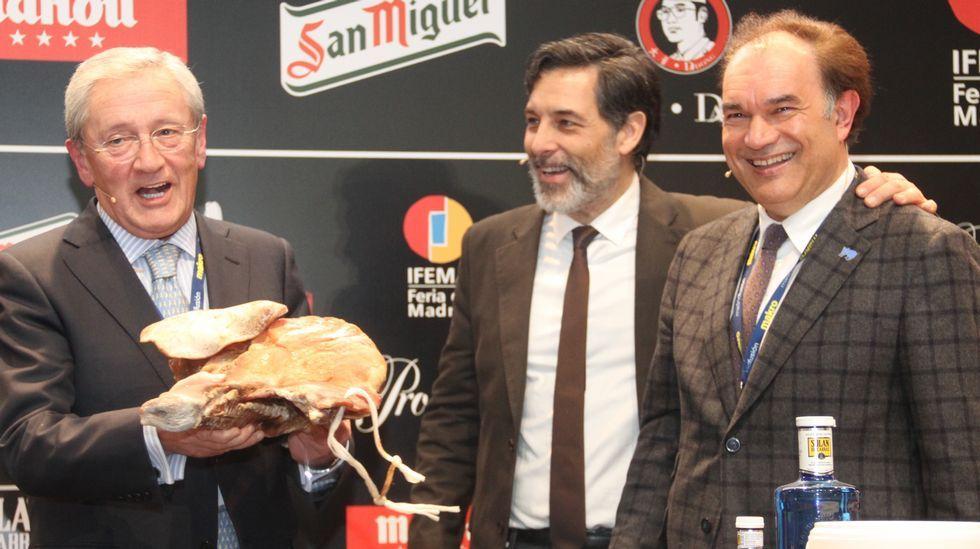 Madrid Fusión abre sus puertas.Los hermanos Roca recogen el premio ICEX en Madrid Fusión.