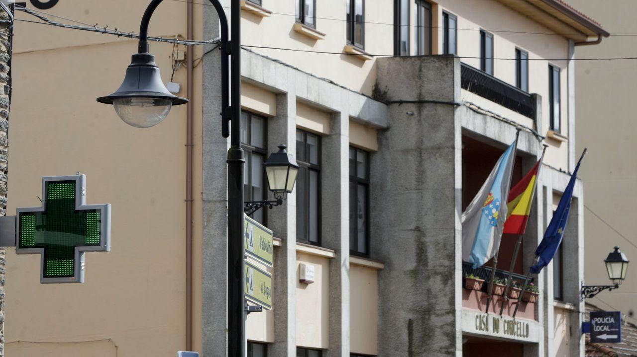 Concentración contra la gestióndel albergue municipal.Antonio Pose dice que el virus dejó más pacientes crónicos