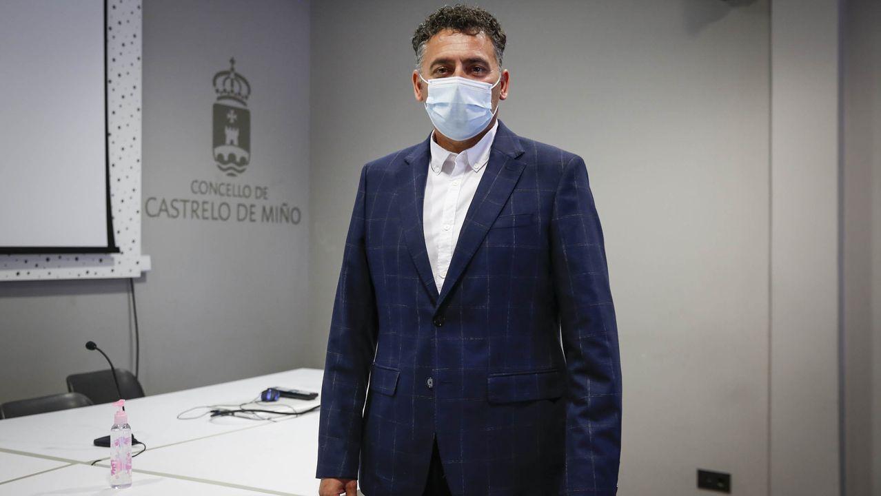 Así vivió, y sufrió, el pleno Jaime Fontanes, uno de los tránsfugas del PSOE que dio la alcaldía al PP en Castrelo.Avelino Pazos (PP)