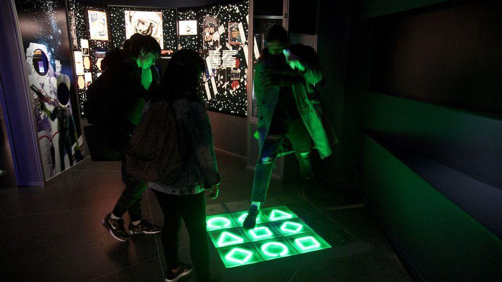 xposición «A astronomía como cha contan» na Casa das Ciencias