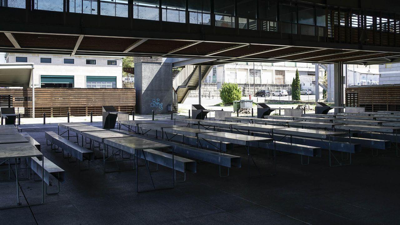 Instalaciones vacías del campo da feira en Ourense