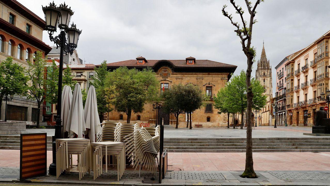 Vista de una plaza del centro de Oviedo.