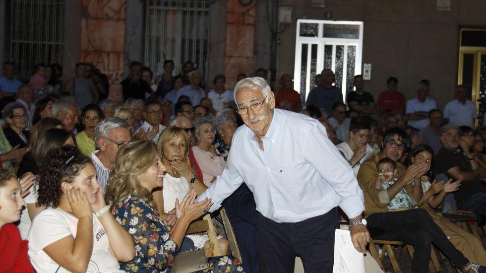 Xelo de Tremiñá pregona las Festas do Cristo en O Barco.Roi Méndez