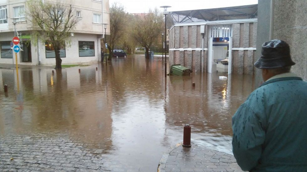Inundaciones en la plaza de abastos en Vigo.