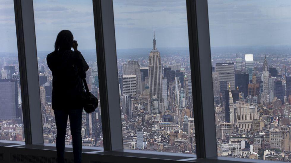 La Torre de la Libertad estrena vistas.Maniobras en aguas del sur del país