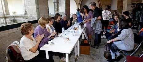Así suena el órgano restaurado en la catedral de Santiago.El Museo do Pobo Galego enfatizó en un acto la memoria de mujeres gallegas emigrantes.