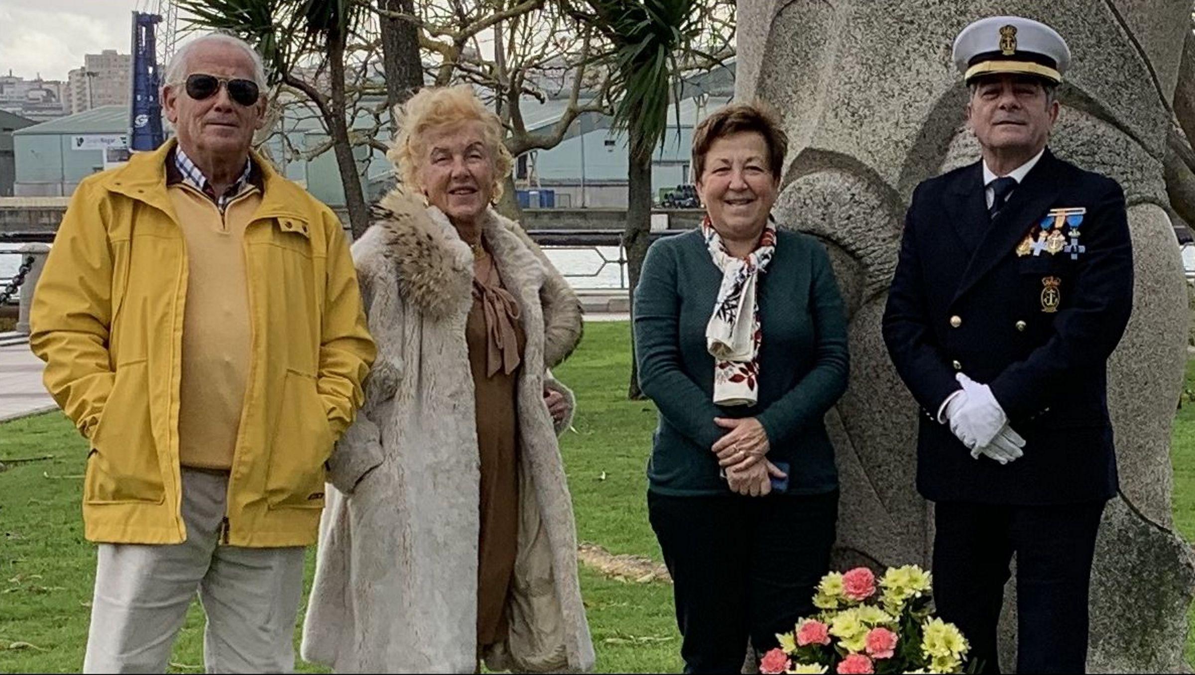 caritas.La directora comercial de CaixaBank en Galicia, Marta Albela, y la de Cáritas A Coruña, Pilar Farjas.