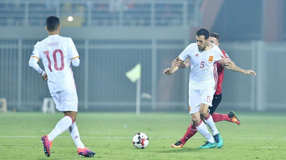 Luis Enrique: «Algo muy grave tiene que pasar para que Messi se pierda un partido».Messi marca en la victoria del Barça ante Osasuna