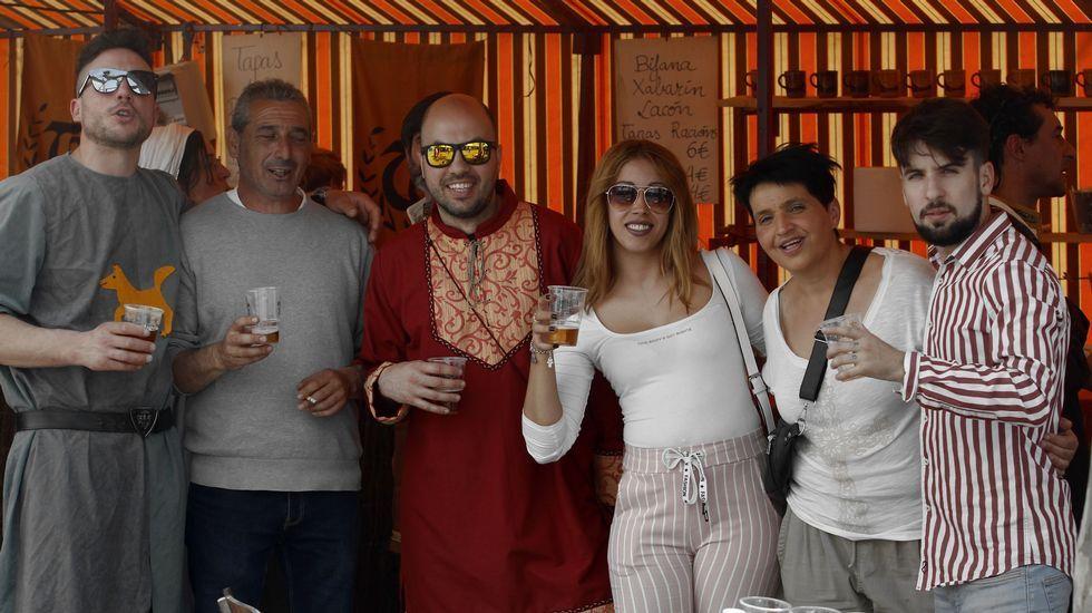 Los puestos de comidas de A Régoa estuvieron repletos el sábado al mediodía