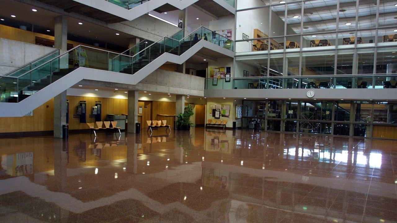 Edificios vacíos en los campus gallegos